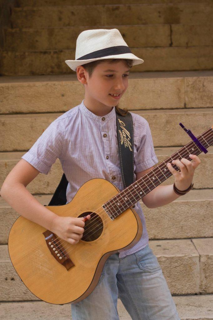 Frano Zivkovic Guitar1